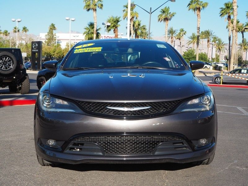 2015 Chrysler 200 4dr Sedan S FWD - 17661534 - 1