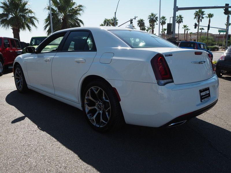 2015 Chrysler 300 4dr Sedan 300S RWD - 18046381 - 9