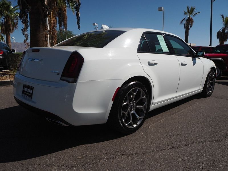 2015 Chrysler 300 4dr Sedan 300S RWD - 18046381 - 11