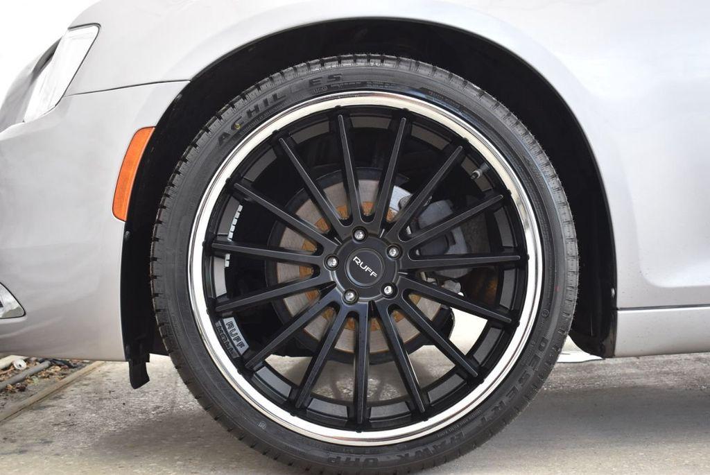 2015 Chrysler 300 4dr Sedan Limited RWD - 18550626 - 9