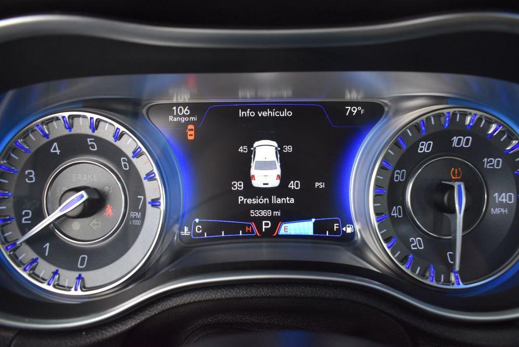 2015 Chrysler 300 4dr Sedan Limited RWD - 18550626 - 18