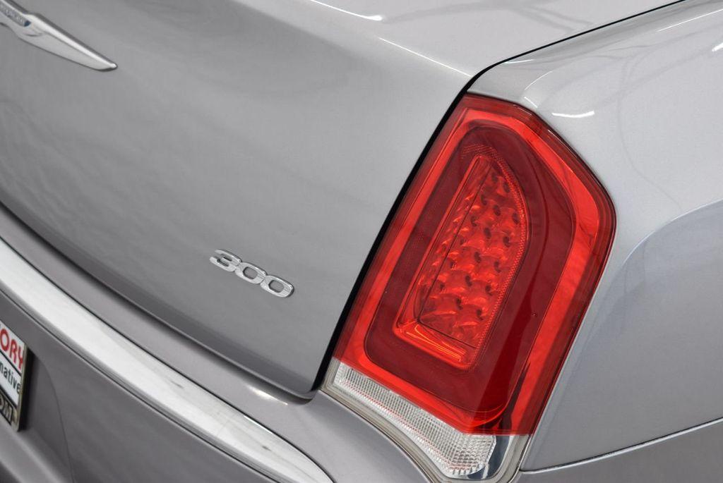 2015 Chrysler 300 4dr Sedan Limited RWD - 18550626 - 1