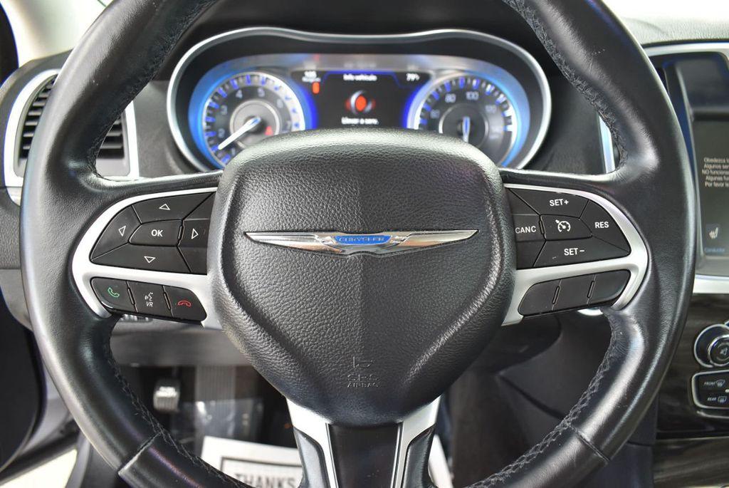 2015 Chrysler 300 4dr Sedan Limited RWD - 18550626 - 19