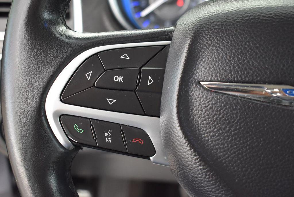 2015 Chrysler 300 4dr Sedan Limited RWD - 18550626 - 20