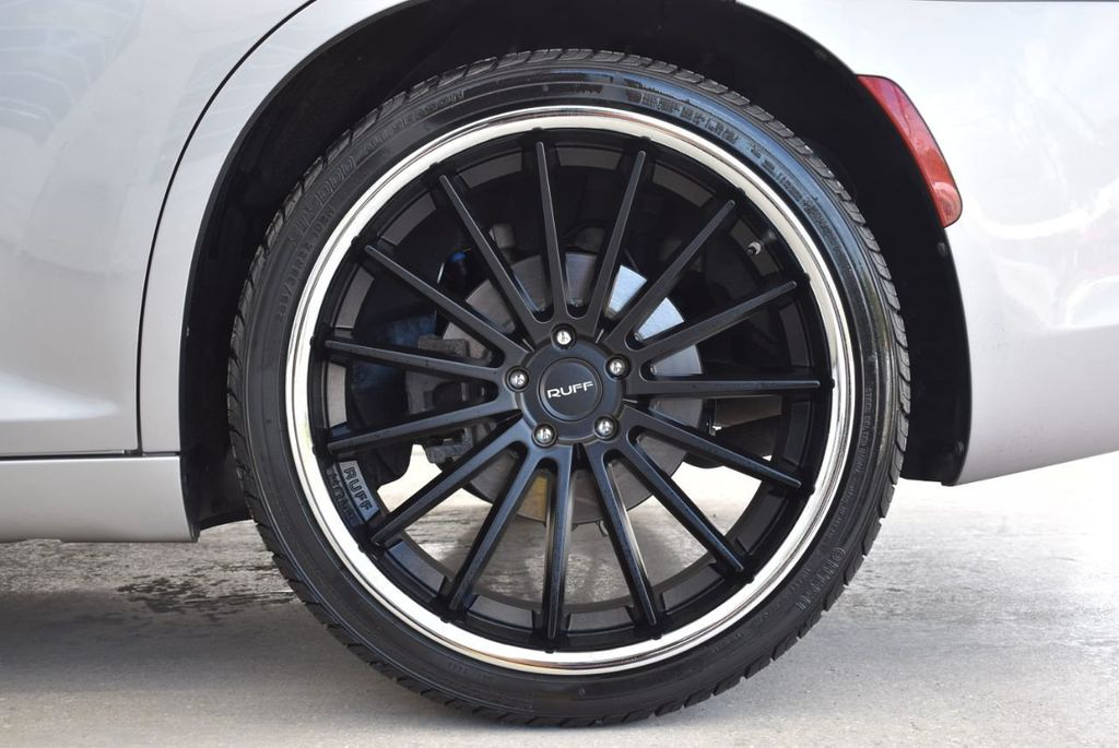 2015 Chrysler 300 4dr Sedan Limited RWD - 18550626 - 8