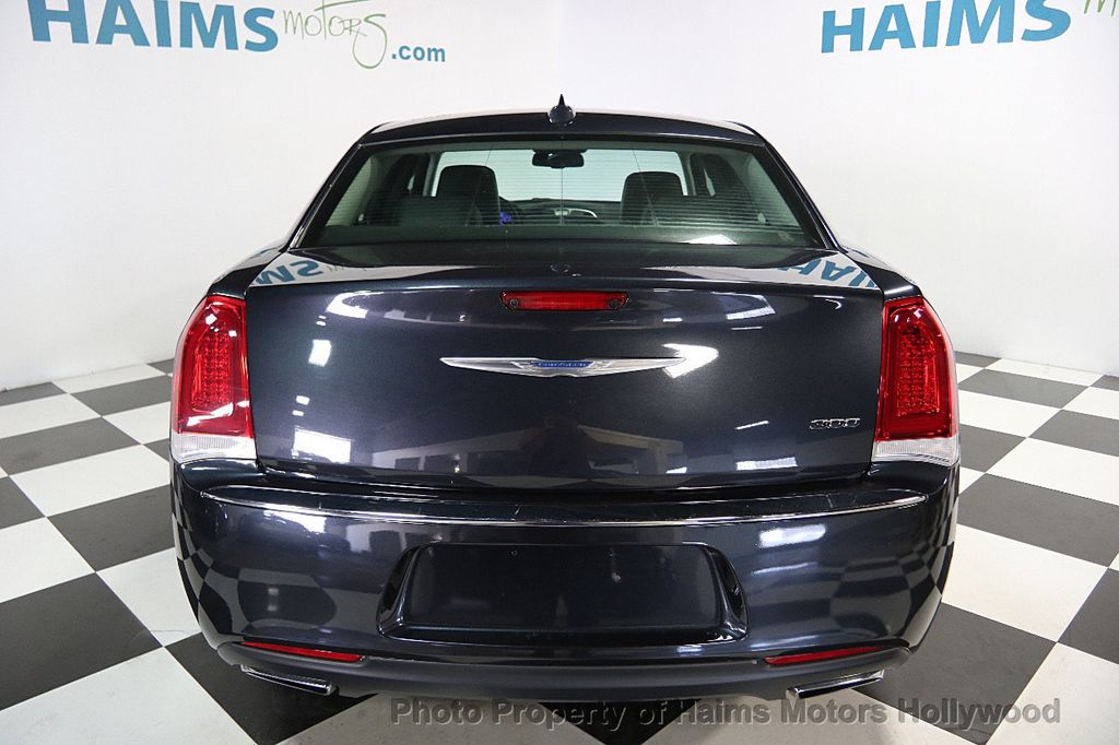 2015 Chrysler 300 4dr Sedan Limited RWD - 16543092 - 4
