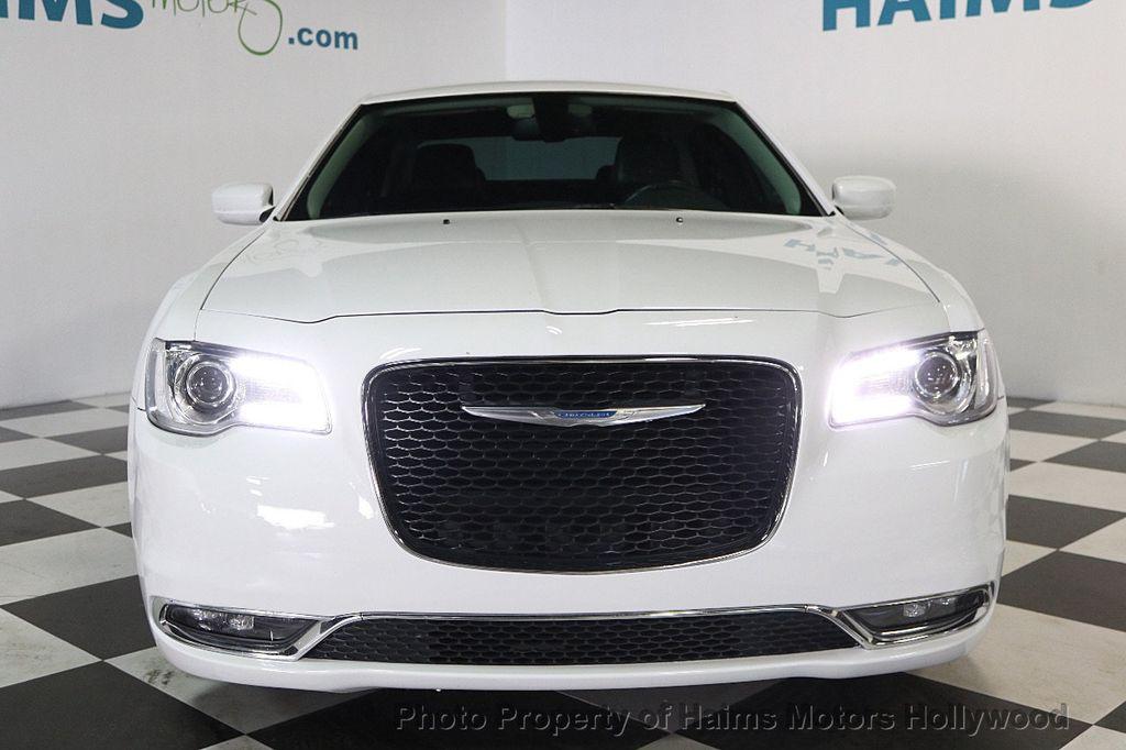 2015 Chrysler 300 4dr Sedan Limited RWD - 17590541 - 2