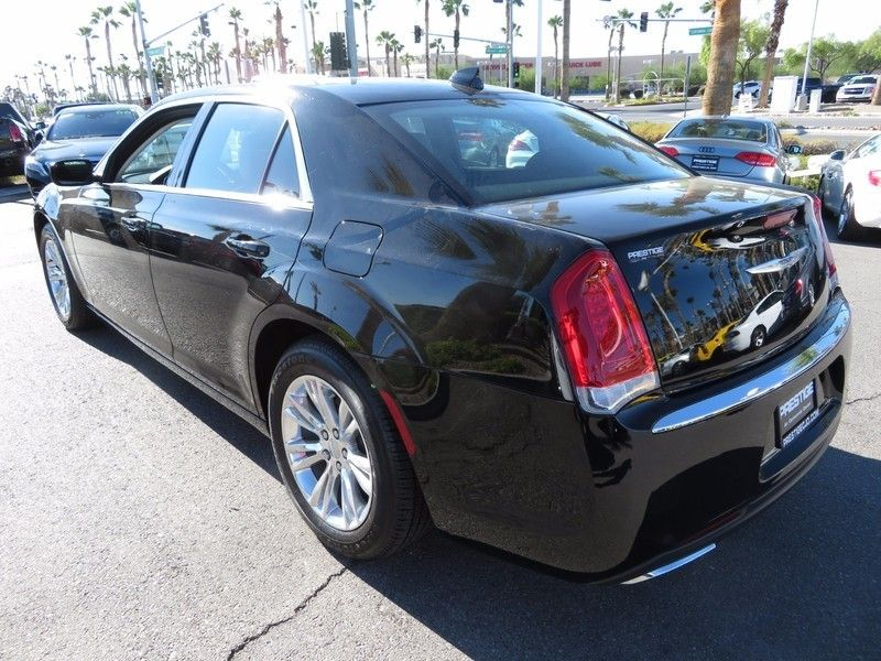 2015 Chrysler 300 4dr Sedan Limited RWD - 16857387 - 6