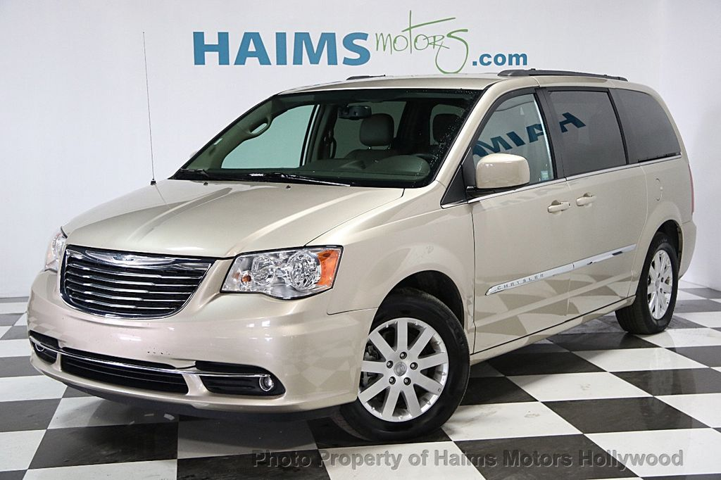 2015 Chrysler Town & Country 4dr Wagon Touring - 15817137 - 0