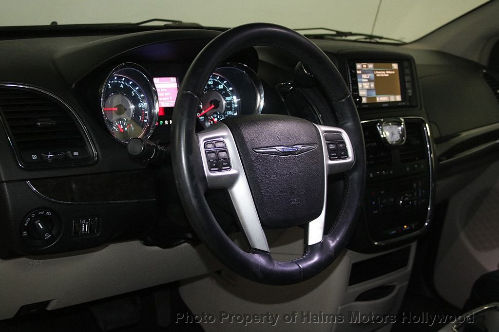 2015 Chrysler Town & Country 4dr Wagon Touring - 17426298 - 21