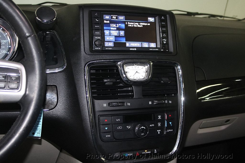 2015 Chrysler Town & Country 4dr Wagon Touring - 17426298 - 22
