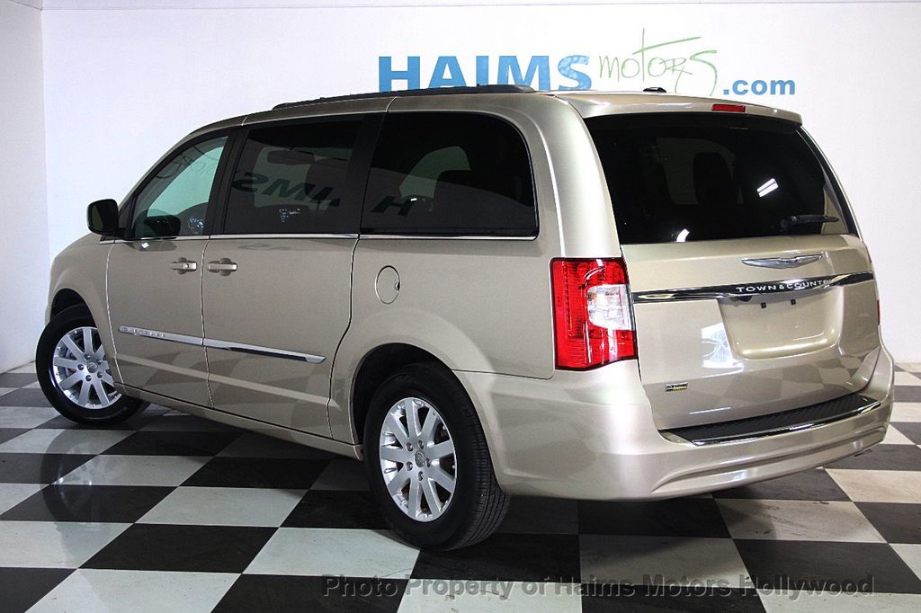 2017 Chrysler Town Country Touring Van New Used Car Reviews 2018