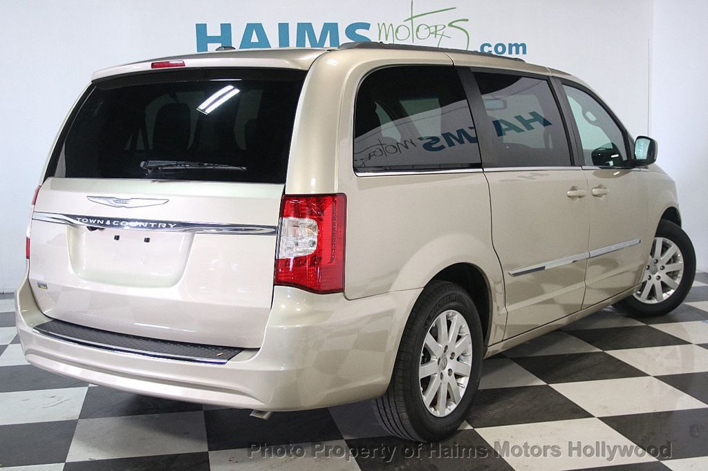 2015 Chrysler Town & Country 4dr Wagon Touring - 17426298 - 6