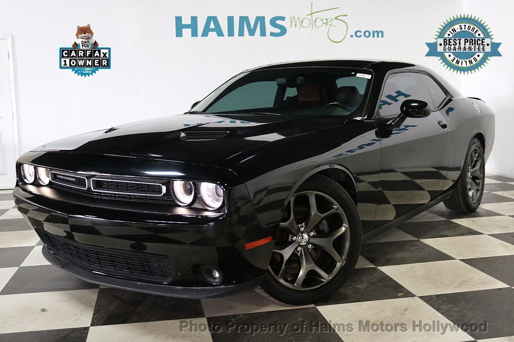 2015 Dodge Challenger 2dr Coupe SXT Plus - 18692697 - 0