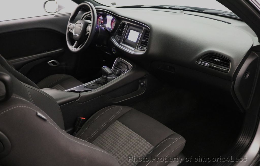2015 Dodge Challenger CERTIFIED CHALLENGER SXT SUNROOF - 18006911 - 37