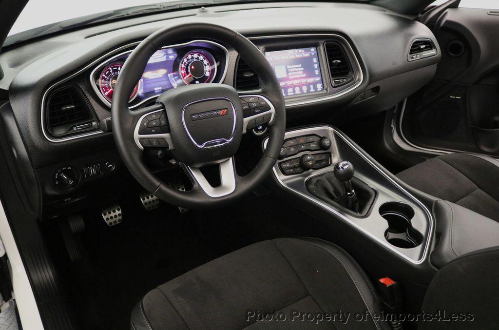 2015 Dodge Challenger CERTIFIED R/T SCAT PACK HEMI 6 SPEED SUNROOF NAVI - 17906801 - 35
