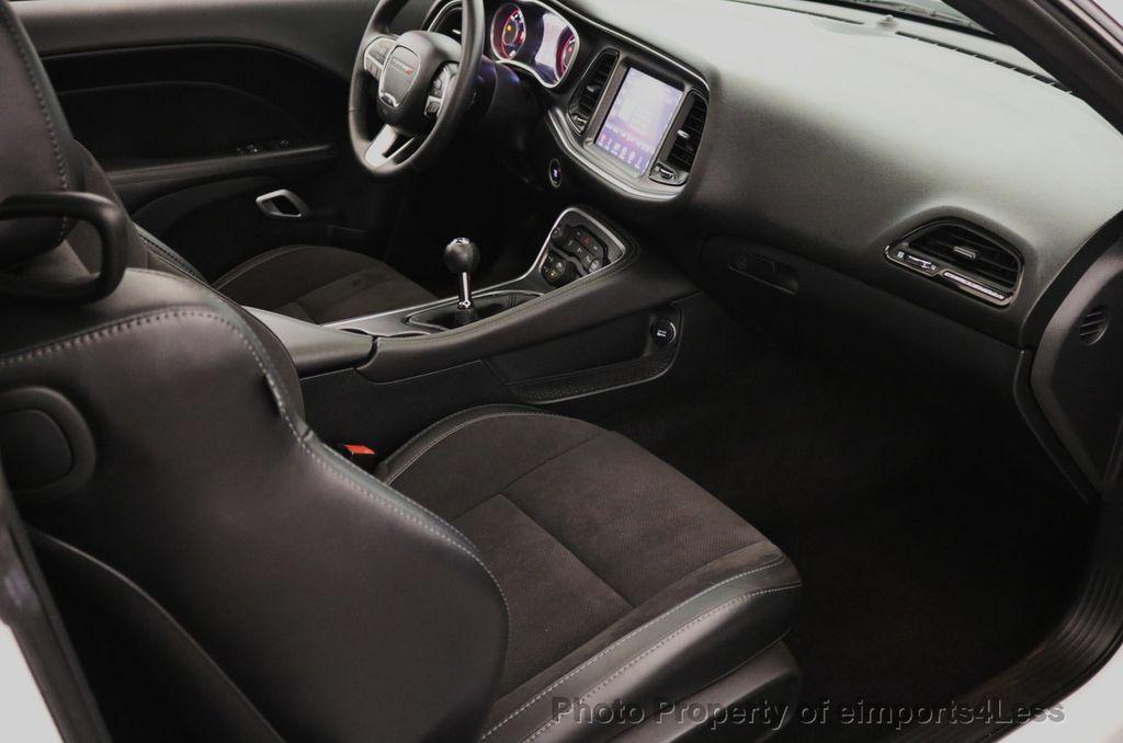 2015 Dodge Challenger CERTIFIED R/T SCAT PACK HEMI 6 SPEED SUNROOF NAVI - 17906801 - 52