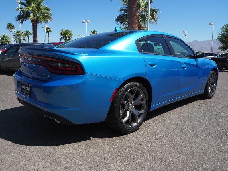 2015 Dodge Charger 4dr Sedan SXT RWD - 17582681 - 10