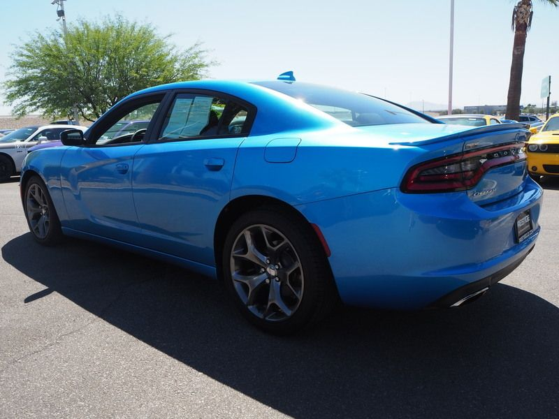 2015 Dodge Charger 4dr Sedan SXT RWD - 17582681 - 8