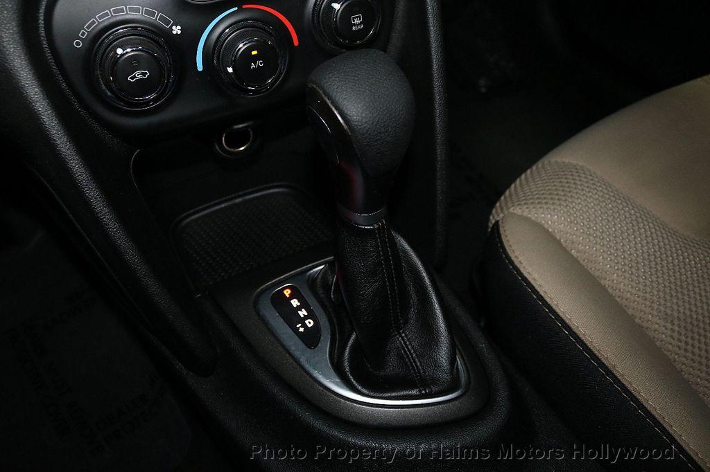 2015 Dodge Dart 4dr Sedan SXT - 18496931 - 22