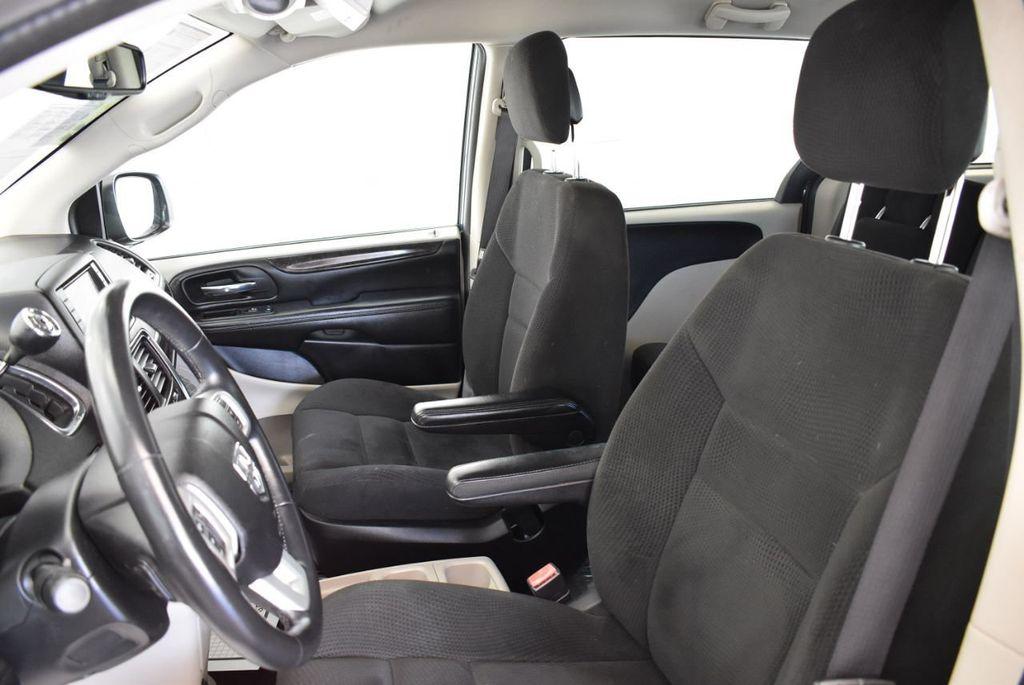 2015 Dodge Grand Caravan SE - 17875140 - 12