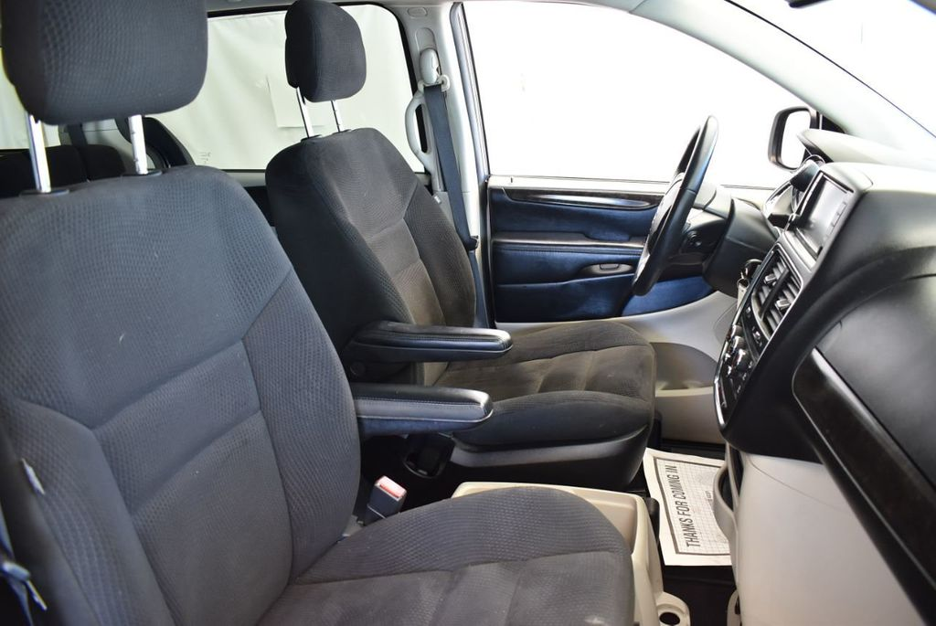 2015 Dodge Grand Caravan SE - 17875140 - 20