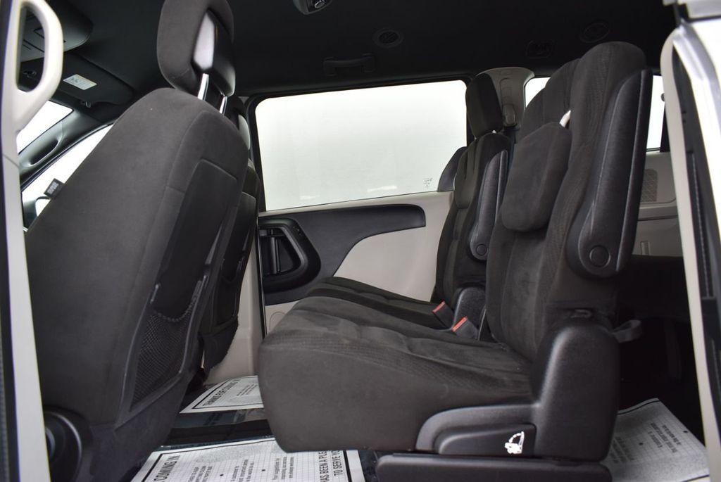 2015 Dodge Grand Caravan SE - 18663319 - 10