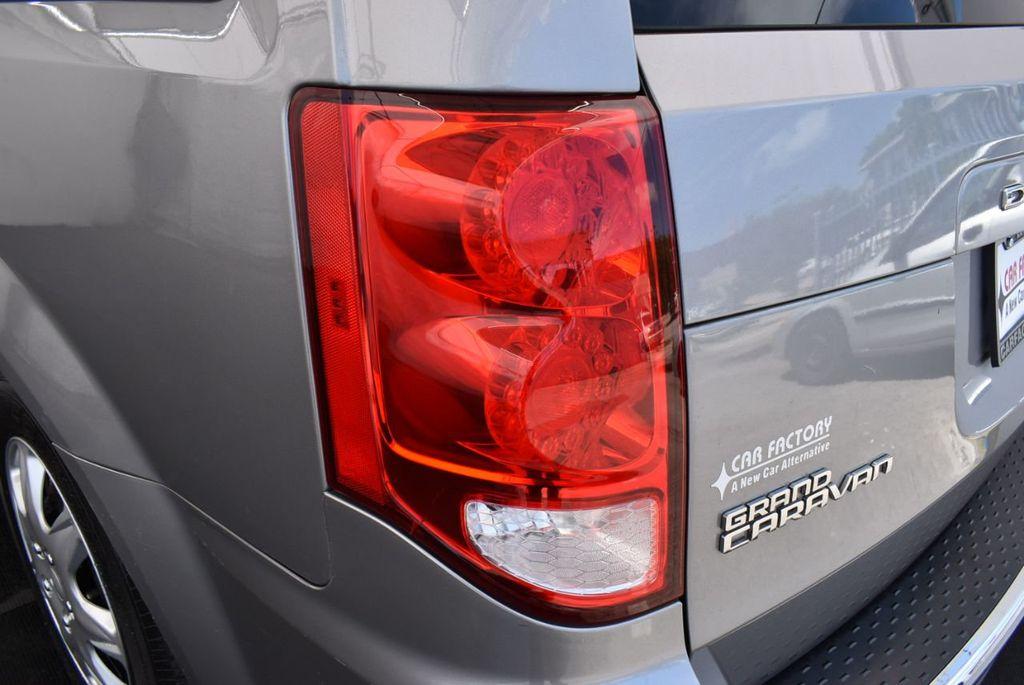 2015 Dodge Grand Caravan SE - 18663319 - 4