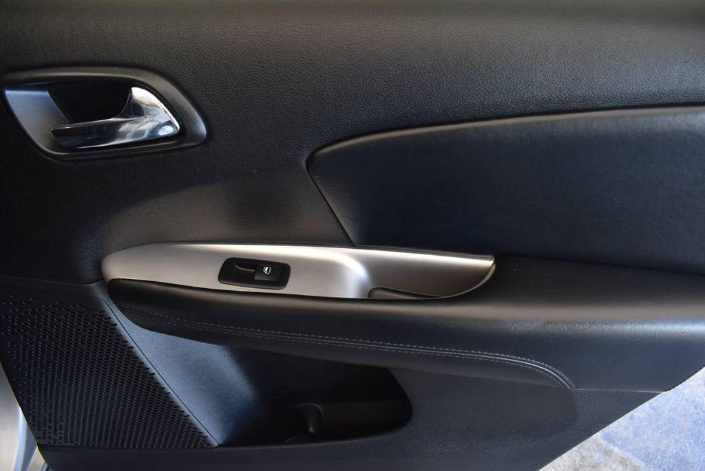 2015 Dodge Journey FWD 4dr SXT - 17970369 - 25
