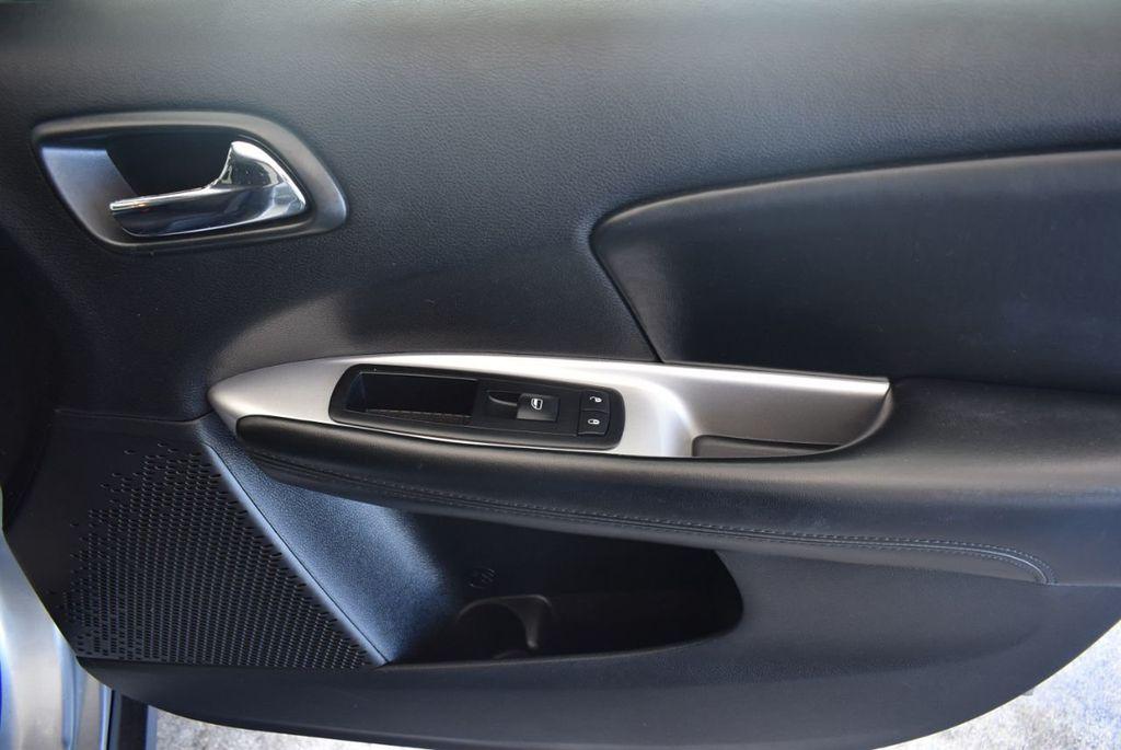 2015 Dodge Journey FWD 4dr SXT - 17970369 - 27