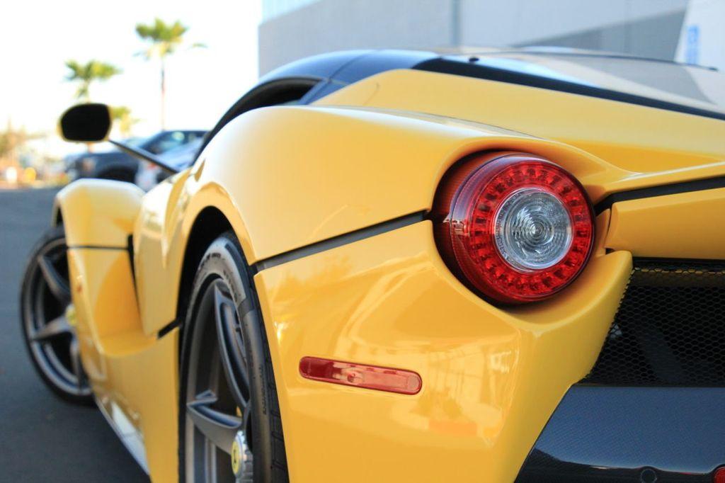 2015 Ferrari LaFerrari 2dr Coupe - 18365687 - 27