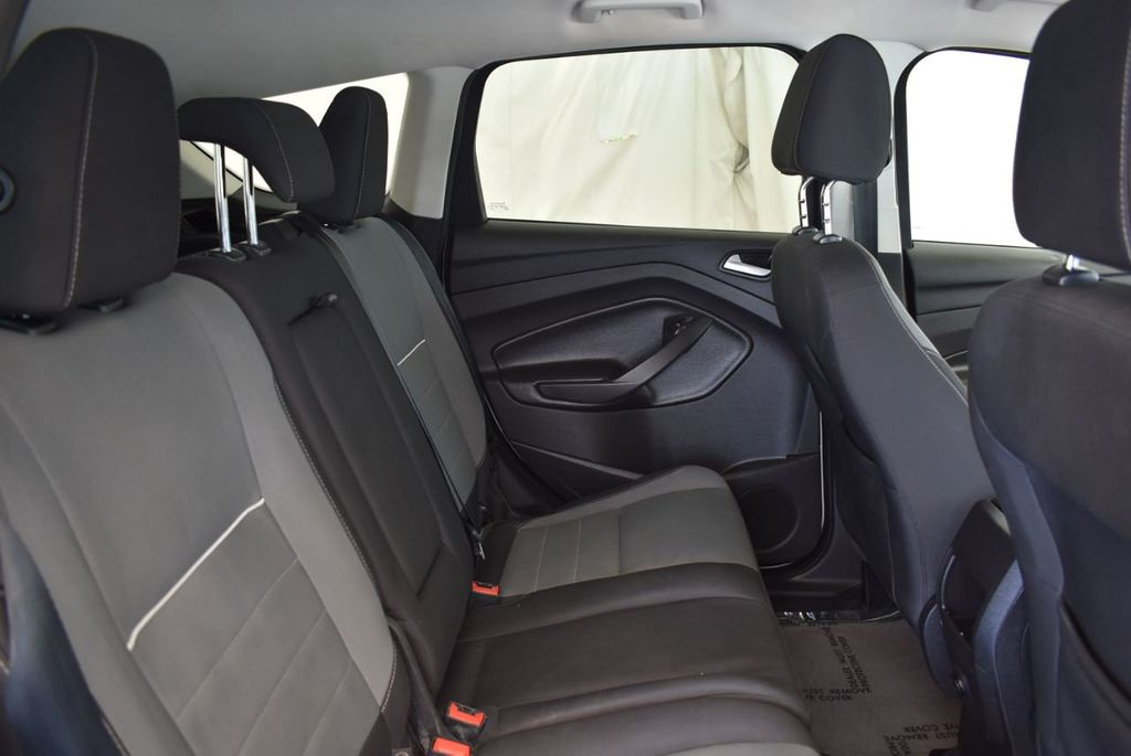 2015 Ford Escape FWD 4dr SE - 17924956 - 20