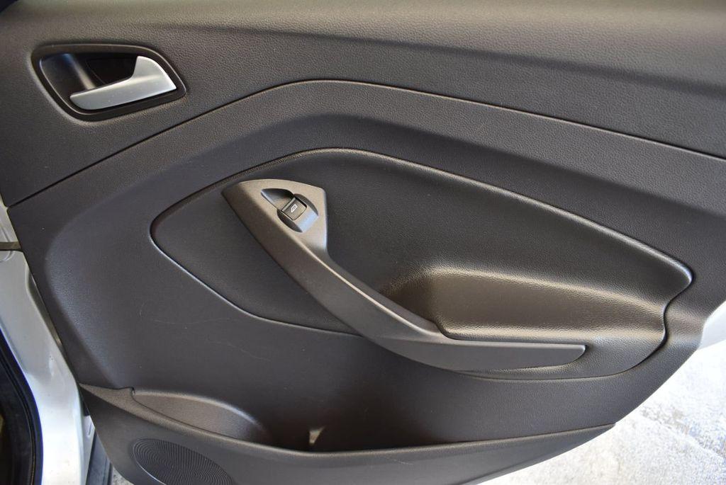 2015 Ford Escape FWD 4dr SE - 17924956 - 21