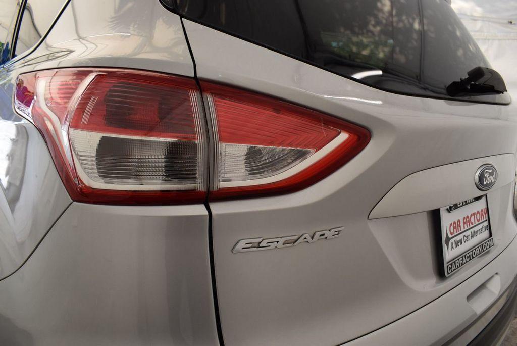 2015 Ford Escape FWD 4dr SE - 17924956 - 5