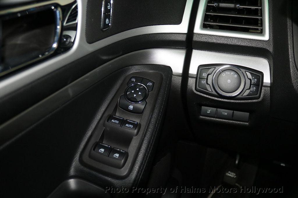 2015 Ford Explorer FWD 4dr XLT - 17517303 - 26