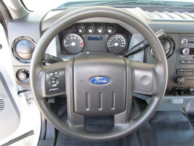 2015 Ford F250 Utility-Service 4x2 - 16116639 - 18