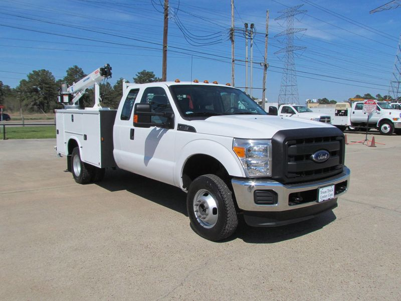 2015 Ford F350 Mechanics Service Truck 4x4 - 16714343 - 1