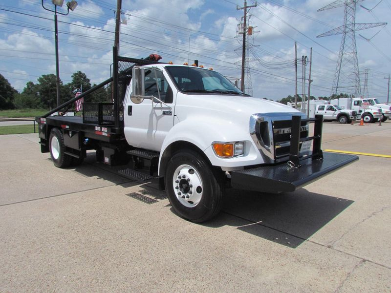 2015 Ford F650 Winch - Roustabout Truck - 17060573 - 1