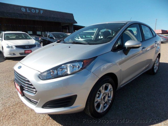 2015 Ford Fiesta 4dr Sedan SE