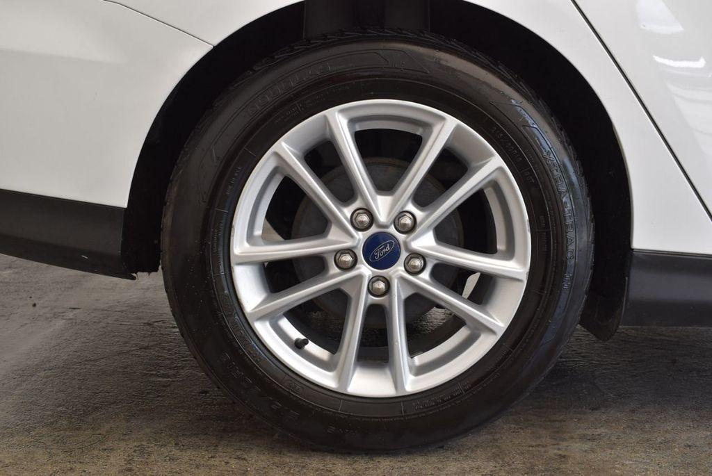 2015 Ford Focus 4dr Sedan SE - 17958519 - 9
