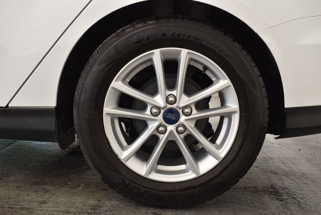 2015 Ford Focus 4dr Sedan SE - 17958519 - 10