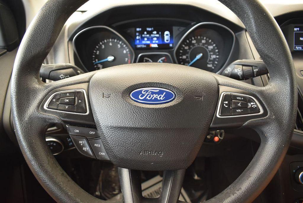 2015 Ford Focus 4dr Sedan SE - 17958519 - 17