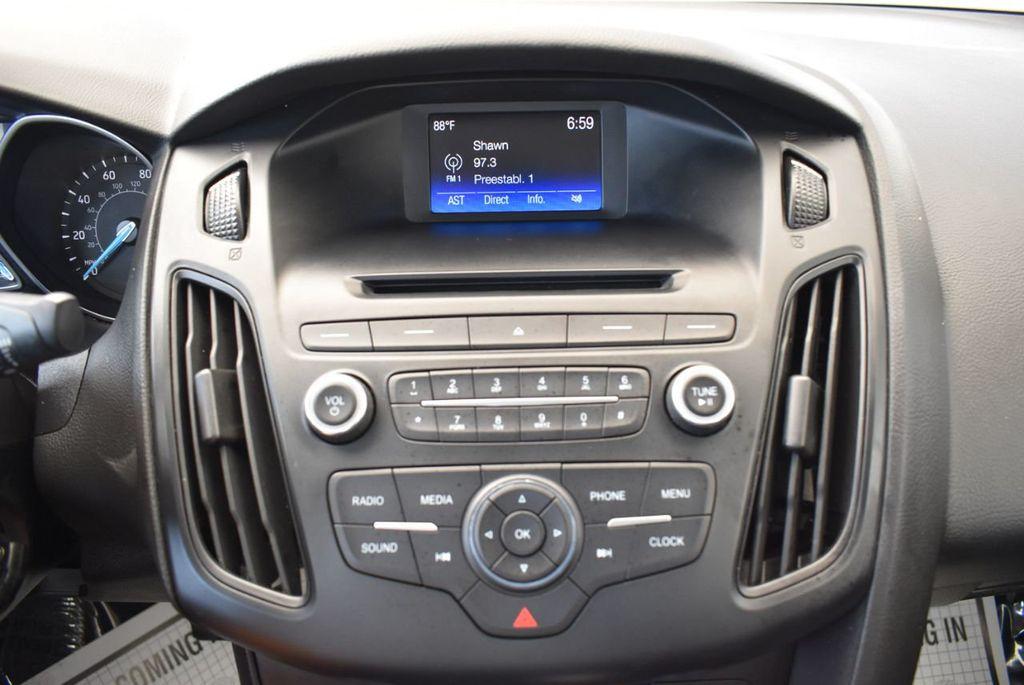 2015 Ford Focus 4dr Sedan SE - 17958519 - 18