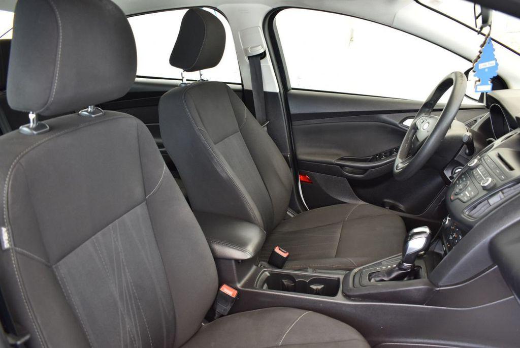 2015 Ford Focus 4dr Sedan SE - 17958519 - 23