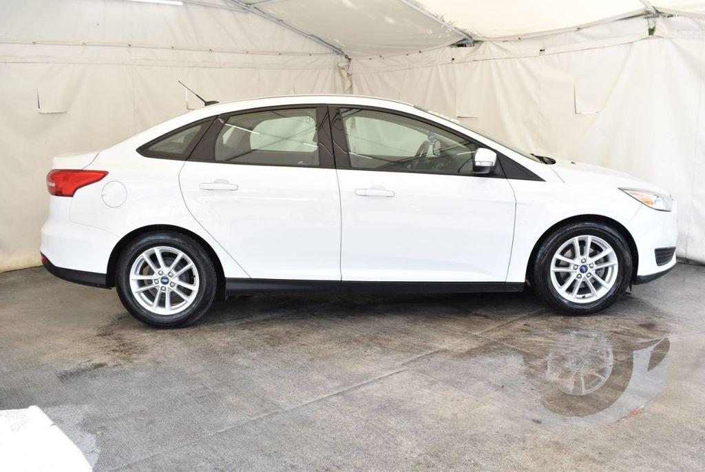 2015 Ford Focus 4dr Sedan SE - 17958519 - 2