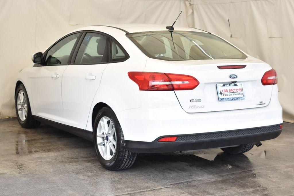 2015 Ford Focus 4dr Sedan SE - 17958519 - 5