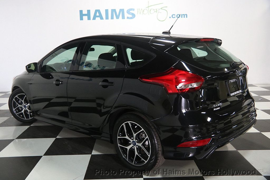 2015 ford focus se sedan cars trucks by dealer autos post. Black Bedroom Furniture Sets. Home Design Ideas