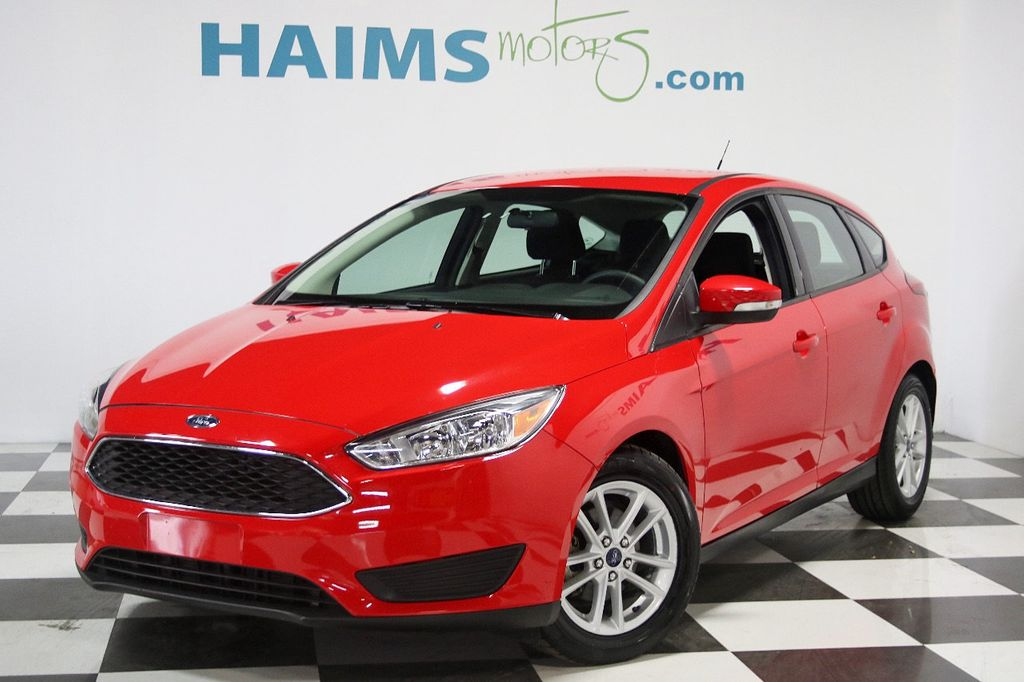 2015 Ford Focus 5dr Hatchback SE - 16104688 - 0