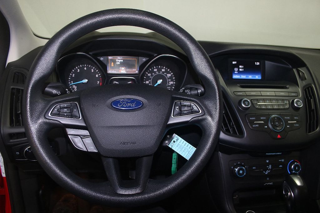2015 Ford Focus 5dr Hatchback SE - 16104688 - 24