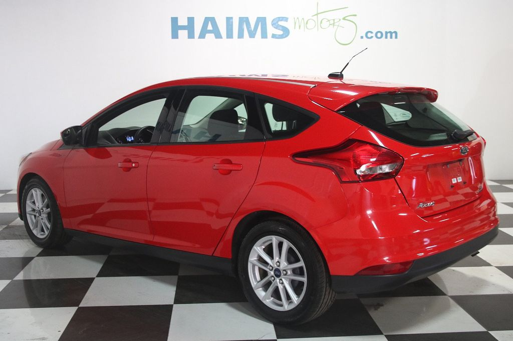 2015 Ford Focus 5dr Hatchback SE - 16104688 - 3